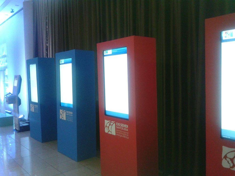 Locação Totem Touch Screen EM PORTO ALEGRE RS
